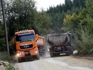 Dinkelscherben: Lastwagen am laufenden Band