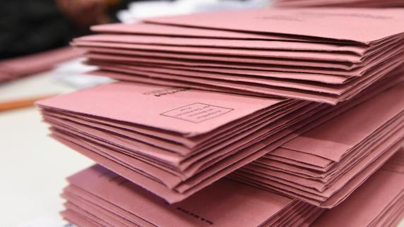 In Städten Niedersachsens und in Bremen ist Briefwahl beliebter