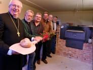 Neubau: Das erste Brot aus dem neuen Backhaus