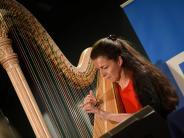Gersthofen: Bekannte Stimmen und Harfenklänge