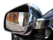 Steinekirch: Brenzlige Situation: Außenspiegel streifen sich