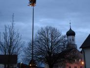 """Kreis Augsburg: Die Wollbacher haben einen """"Mainachtsbaum"""""""