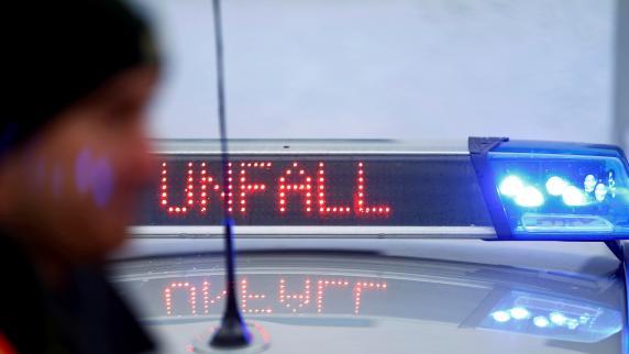 Tanklaster kippt um: A8 nahe Ulm in Richtung München gesperrt
