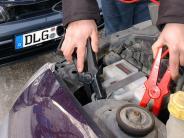 Landkreis: Plus und Minus verwechselt: Lastwagenfahrer verletzt
