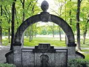 Augsburg: Kleinod unterm Blätterdach