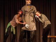 Premiere: Brecht: Ein Held wird zerlegt
