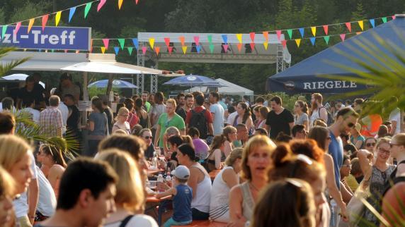 Augsburg: Erster Street-Food-Markt lockt tausende Besucher an