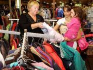 Augsburg: Kleidung zum symbolischen Preis
