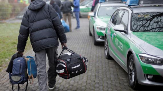 Augsburg: Polizei legt Fakten zu Flüchtlingen offen