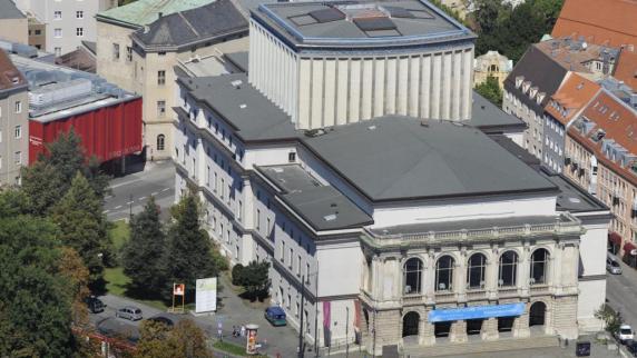 Kommentar: Augsburger Theatergänger können ein Zeichen setzen