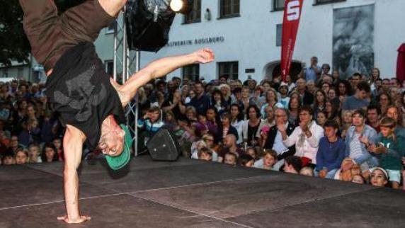 Augsburg: Die Sommernächte werden auch in der Altstadt gefeiert