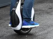 Augsburg: Polizei stoppt elektrische Einräder