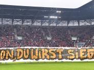 FC Augsburg: Wie FCA-Fan Simon sich zurück ins Leben kämpft