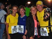 Augsburg: Hunderte wagen heute den Kuhsee-Triathlon - Fotos vom Nachtlauf
