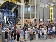 Augsburg: Premium Aerotec: 25000 Besucher sehen, wie man Flieger baut