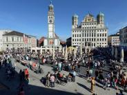 Augsburg: Sonnenschein und gute Laune: So erlebte Augsburg den Marktsonntag