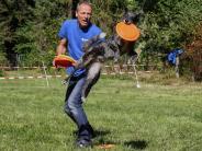 Augsburg: Hundebesitzer und Hunde haben viel Spaß beim Zoo-Hundetag