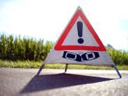 Augsburg: BMW-Fahrer ignoriert Baustelle - und bleibt im frischen Asphalt stecken