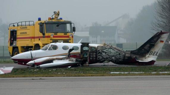 Flughafen Augsburg: Flugzeug brannte aus: Pilot wehrt sich gegen Strafe