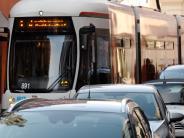 Augsburg: Mann zieht Messer in Tram - 23-Jähriger beschützt Mädchen