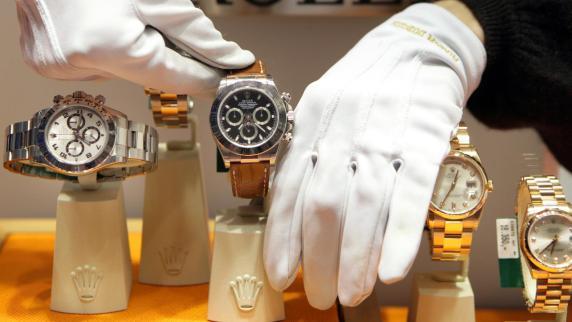 Augsburg: Teure Uhren mit billigem Innenleben