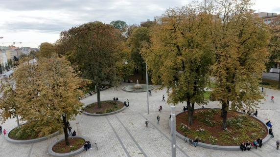 Augsburg: Kö, Fußgängerzone, Maxstraße: Der Umbau ist noch nicht zu Ende