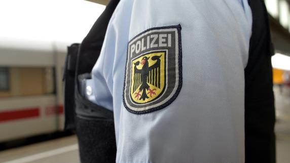 Augsburg: Unfall am Hauptbahnhof: Güterzug trennt 23-Jährigem Beine ab