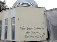 : Unbekannter beschmiert neue Moschee
