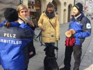 """Aktion: """"Pelz-Ermittler"""" in der Fußgängerzone"""