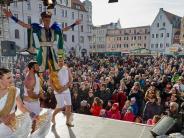 Augsburg: Umzug zum Narrenbaum und buntes Faschingstreiben auf dem Rathausplatz