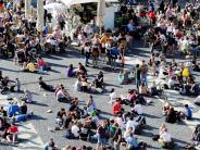 Augsburg: Kommentar: Keine Toleranz für Krawallmacher am Rathausplatz