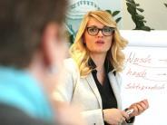 Interview: Was eine Hochdeutschtrainerin zum Augschburger Dialekt sagt