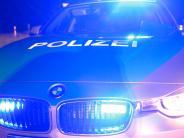 Ottobeuren: Nach Unfall: Männer greifen Autofahrer mit einer Bierflasche an