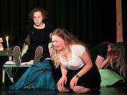 """Schultheater: Eine mühsame """"Hexenjagd"""""""