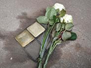 Stolpersteine und Erinnerungsbänder: Stolpersteine: Welches Unrecht die Opfer erleiden mussten