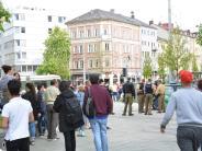 Augsburg: Trinkerszene am Kö: Polizist gebissen, Passant geohrfeigt