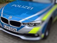 Augsburg: Alkoholisierte Frau fällt von Fahrrad