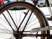 Augsburg: Radler fährt achtjährigen Jungen um und flüchtet