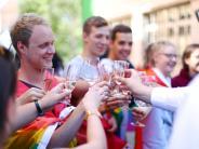 Neu-Ulm/Senden: Ein Hoch auf die Homo-Ehe