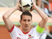 FC Augsburg: Verhaegh bleibt FCA-Kapitän - Stellvertreter könnte sich aber ändern