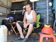Lastwagen: Lastwagenfahrer auf dem Rastplatz: Das Gesetz der Kabine
