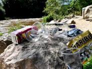 Pfersee: Nach dem Feiern an der Wertach bleibt der Müll