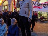 Veranstaltung: Lautstarker Protest gegen Rechtsextreme