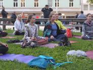 Augsburg: Yoga am Kö: Gute Energie für den Königsplatz