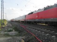 Augsburg: Feuerwehr löscht Brand an einer Lokomotive