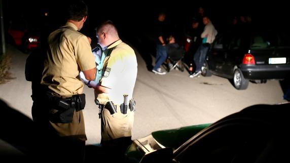 Augsburg: Illegales Rennen: Polizei stellt erstmals Hobby-Rennautos sicher