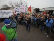 """Augsburg: """"Wir lassen uns nicht unterkriegen"""": Ledvance-Mitarbeiter demonstrieren"""