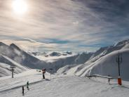Kaunertal: Wintersport: Als Skifahrer auf dem Snowboard unterwegs