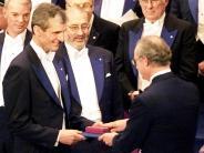 Augsburg: Nobelpreisträger gibt Physikunterricht in Augsburg
