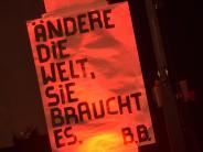 Kommentar: Das Brechtfestival - ein Fest ohne Glanz und Glamour?